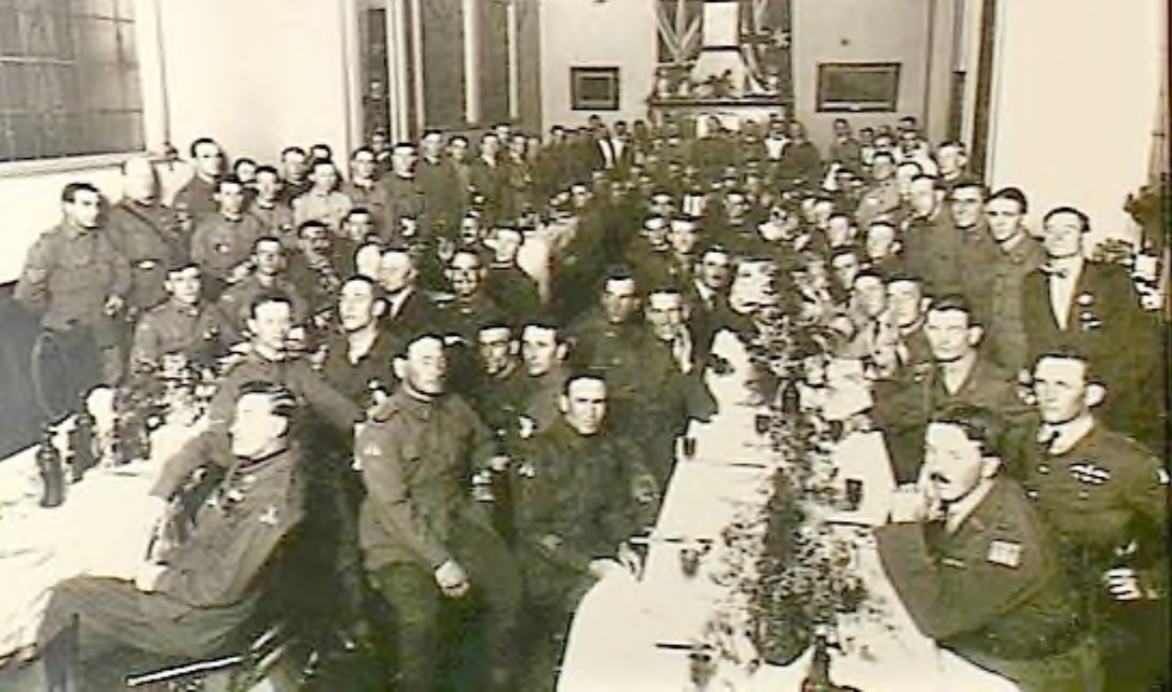 No.1 Squadron members, Scott's Hotel, 26 February 1920 (Source: AWM).